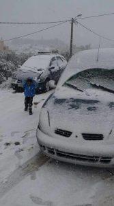 طفلة في الثلج